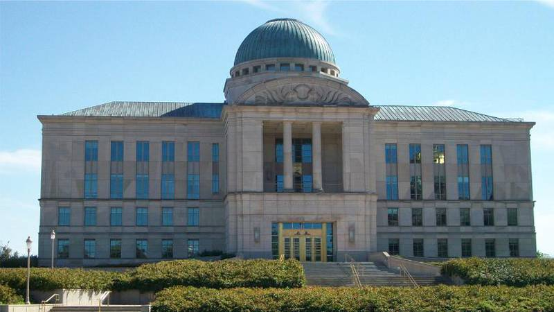 The Iowa Judicial Branch Building, which holds Iowa's Supreme Court, in Des Moines (Photo:...