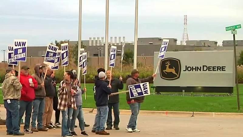 UAW strikes against John Deere amid national labor shortage