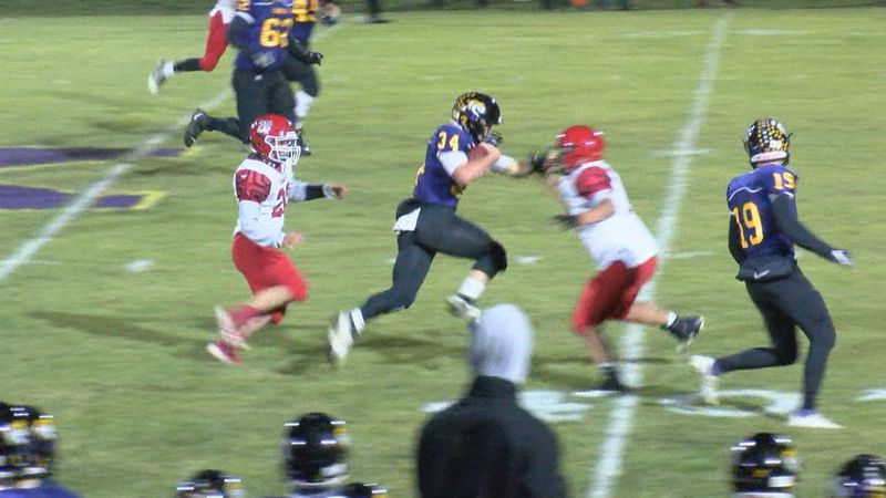 In the second round of the Iowa High School football playoffs, the Cardinal Comets looked to...