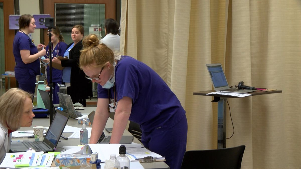 Nurses Train for the Front lines