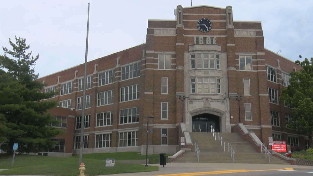 After a peak in Thanksgiving forcing schools to close, Ottumwa Schools' COVID-19 numbers have...